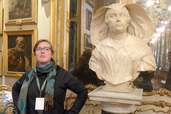 Catherine Quinn '15 imitates Algardi's bust of Olimpia Maidalchini at the Doria Pamphilj Gallery in Rome. Photo by Christina Penn-Goetsch