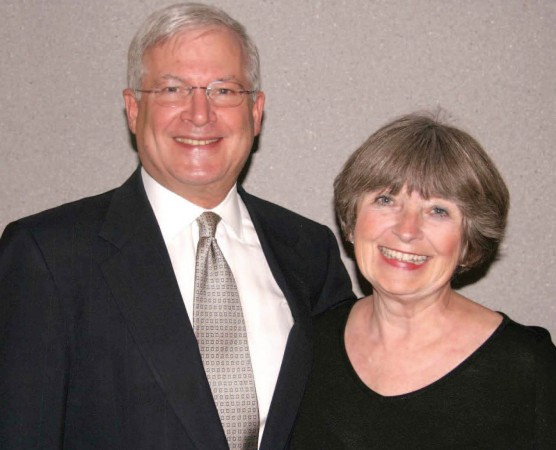 Bob McLennan '65 and Becky Martin McLennan '64 are founding members of an organization dedicated to leadership and community service, and both have long been volunteers in their community of Glenview, Ill