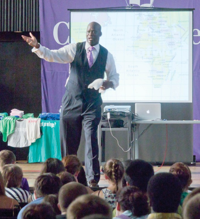 To help ensure that issues of diversity are discussed openly on campus, diversity consultant Eddie Moore Jr. '80 spoke at New Student Orientation in August