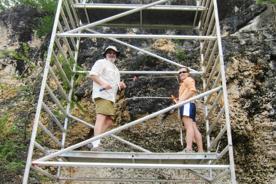 Chelsea Korpanty '11 (right), in Curacao with geology professor Ben Greenstein.