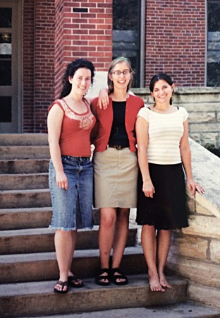elsey Beal Rosales '07, Jess Rundlett '07, and Diana Krogmeier Suhanyi '07 (from left) seen as students on the steps of Bowman-Carter Hall.