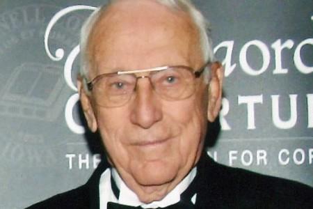 "Merlin ""Pat"" D. Dreibelbis '39 in Cedar Rapids, Iowa, at age 97."