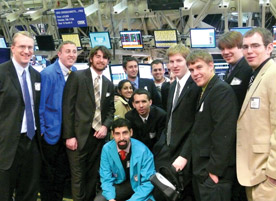A class photo of students with Conrad (far left) on the trading floor of the CBOE. Students also visited with administrators at the Bank of America and Advocate Health Care during their off-campus experience. Students left to right are: senior Paul Tompkins, Junior Dane Korthauer, Nate Benzschawel '08, senior Zari Zahra, senior Atanas Siakolov, junior Andre DeSouza, unaffiliated individual, junior Frank Dixson, senior Danial Engstrom, junior Yuri Mitchell, and senior Ryan Caulfield.