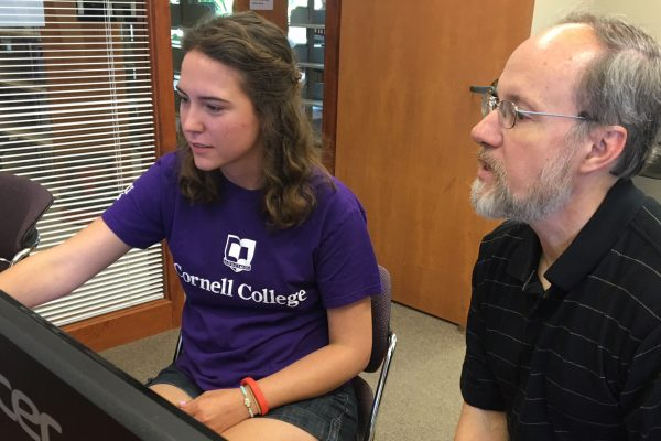 A Cornell College student and her professor are working together to create an interactive textbook.