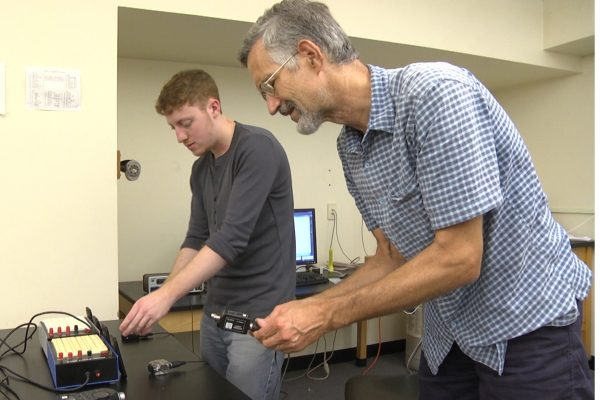 Simon Fink '17 works with Professor Lyle Lichty on a CSRI project to create linear phased arrays from cell phones.