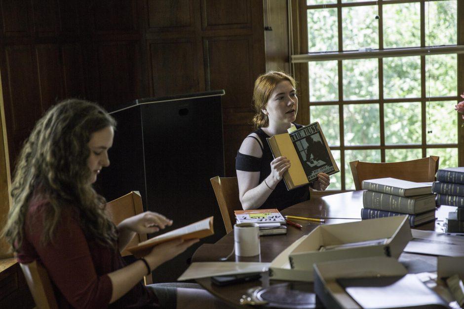 Maureen Sullivan '18, Emma Jean Meyer '19, Jessica Halter '18 , and Professor Leslie Kathleen Hankins work in the Van Etten-Lacey House. 1