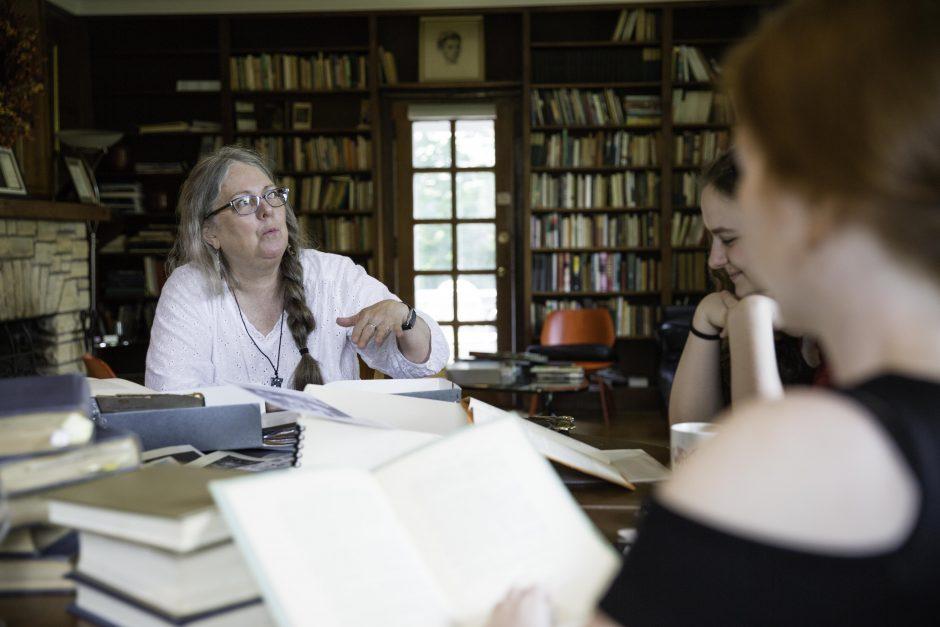 Maureen Sullivan '18, Emma Jean Meyer '19, Jessica Halter '18 , and Professor Leslie Kathleen Hankins work in the Van Etten-Lacey House. 17