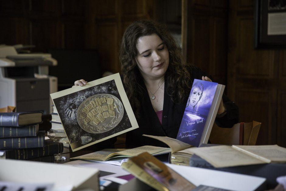 Maureen Sullivan '18, Emma Jean Meyer '19, Jessica Halter '18 , and Professor Leslie Kathleen Hankins work in the Van Etten-Lacey House. 3