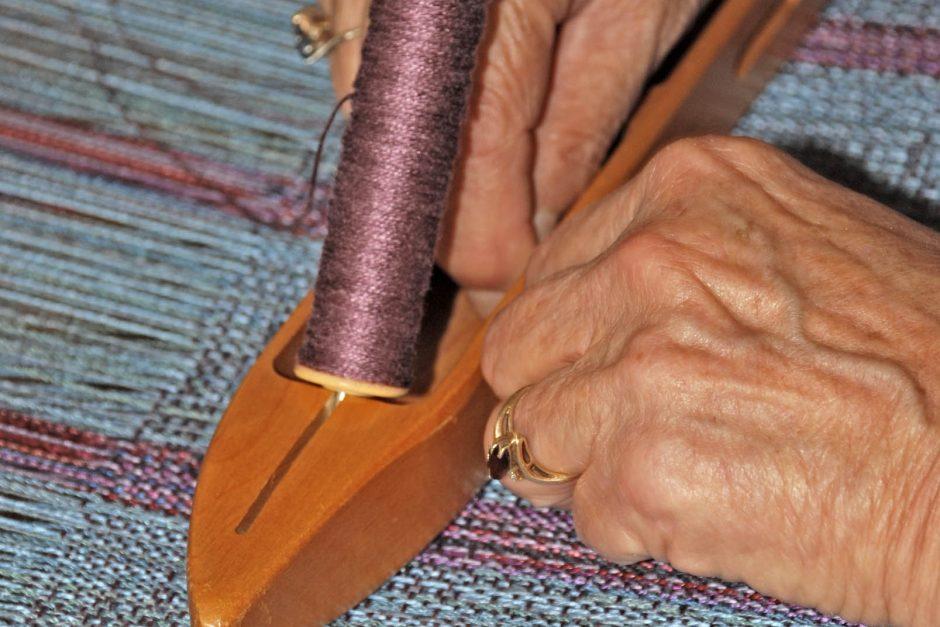 Diane Crowder loading thread
