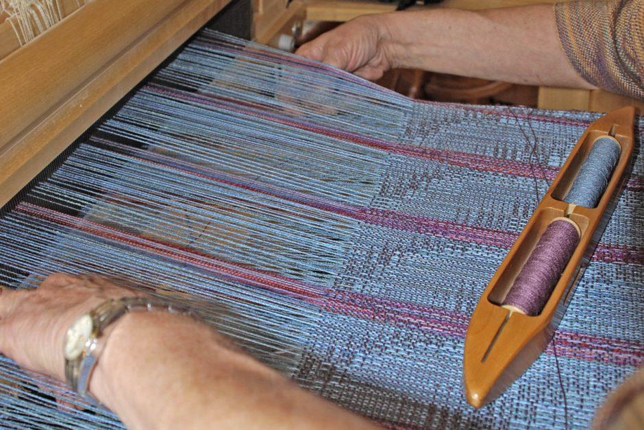 Diane Crowder weaving close-up