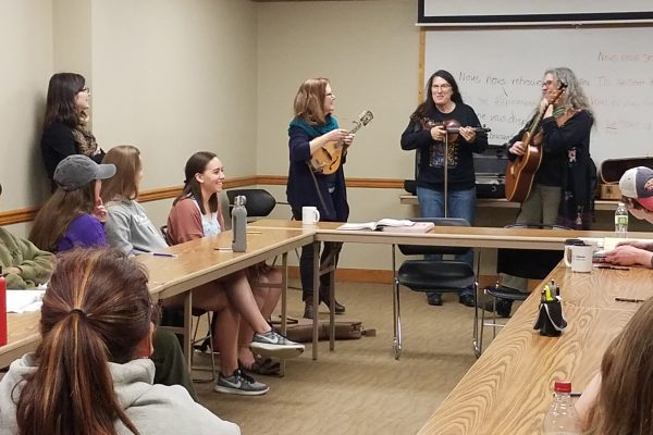 On Friday, April 5, the Cornell College French program had the honor of welcoming award-winning musician Gina Forsyth to campus.