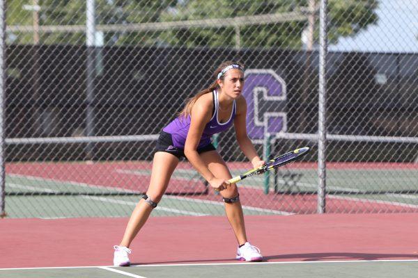 Raquel Ruiz playing tennis